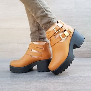 Shoes - Chunky 90's Grunge Spring Ankles Boots